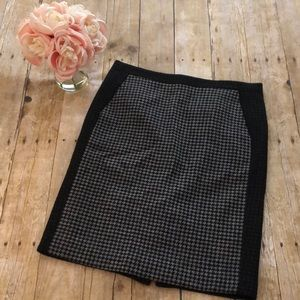 J. Crew Wool Blend Houndstooth Pencil Skirt- Sz 6